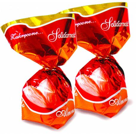 Šokoladiniai saldainiai su migdolų gabalėliais(1.5%), migdolų skonio kreme (48%) ALMONDO 2,5kg